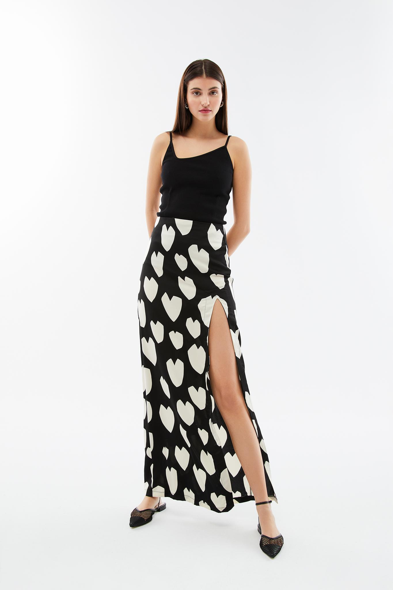 blame your daze herat printed skirt